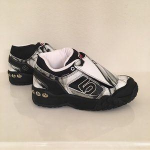 Five ten Karver women's mountain bike shoesNWT for sale